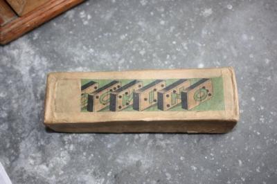 Antiek dominospel in origineel doosje