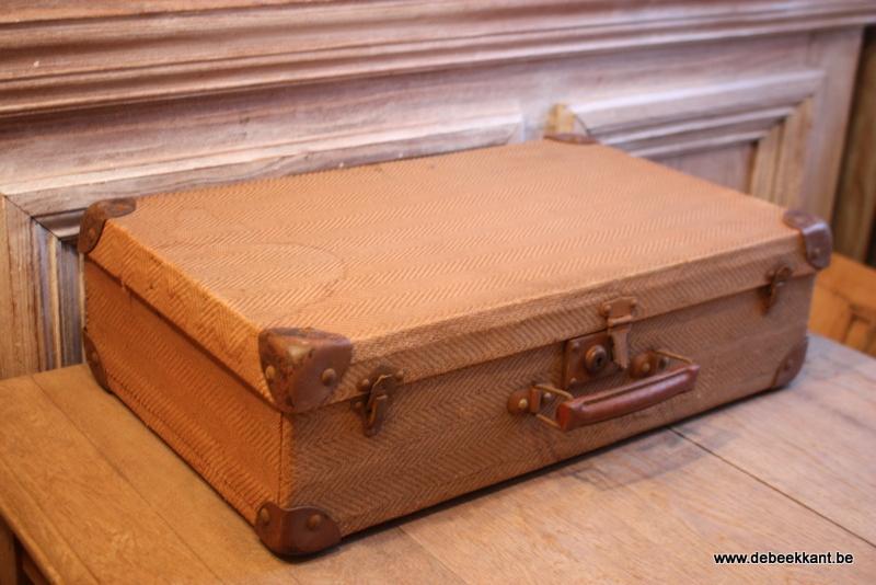 Antiek kartonnen valiesje met lederen handvat