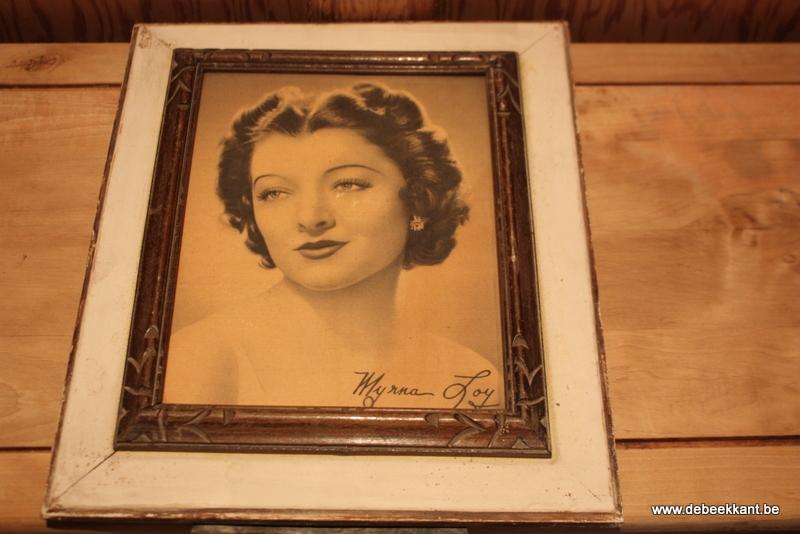 Antieke kader met afbeelding Myrna Loy filmster gesigneerd