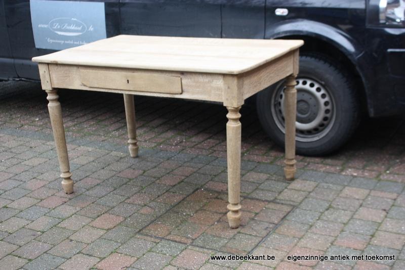 Antieke eiken tafel werktafel bureau opgekuist