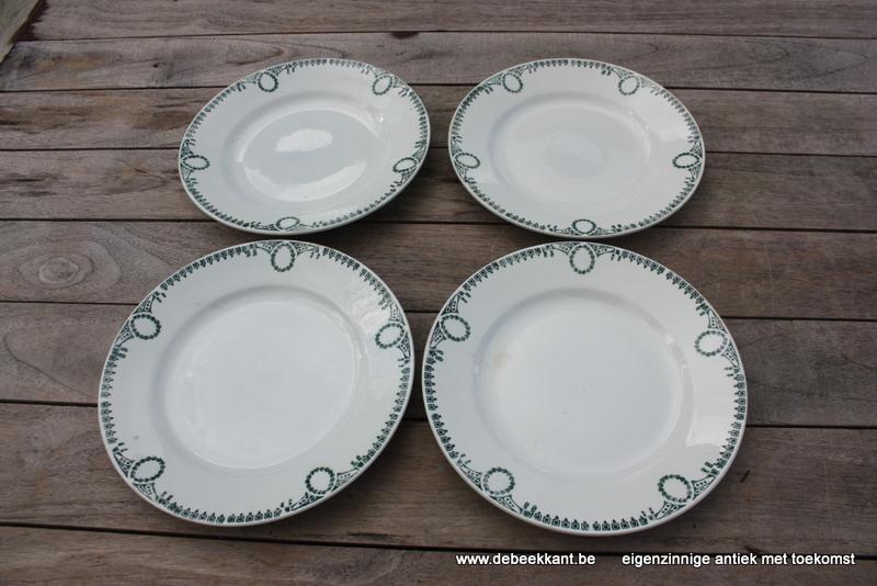 Antieke borden wit met groen motief Ceranord