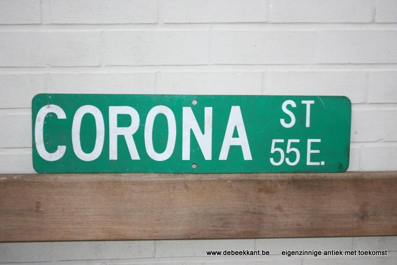 Vintage bord Corona Street