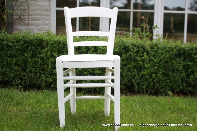 Brocante gepatineerde luterma stoel