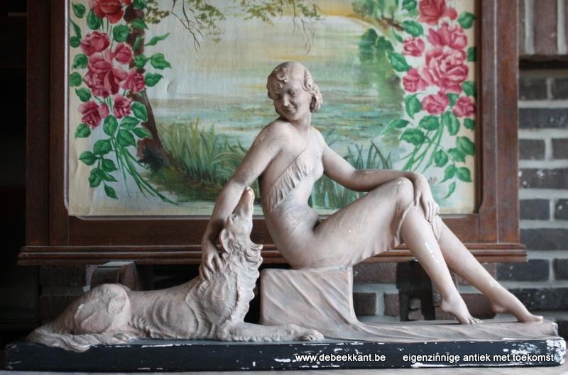 Antiek beeld dame met hond Salvatore Melani