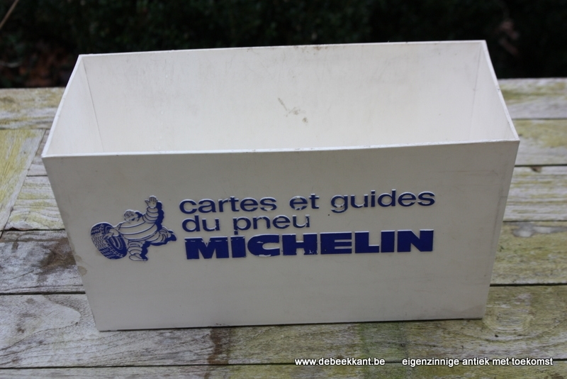 Vintage bak kunststof cartes et guides du pneu Michelin