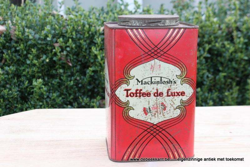 Antieke blikken doos Mackintosh's toffee de luxe