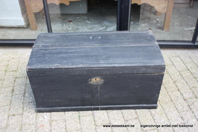 Antieke zwarte koffer authentieke staat