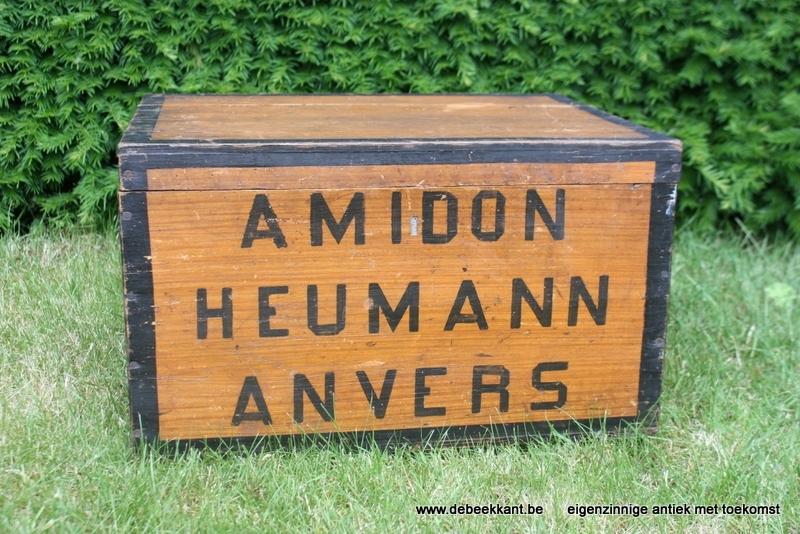 Antieke kist Amidon Heumann Anvers met reclame binnenin