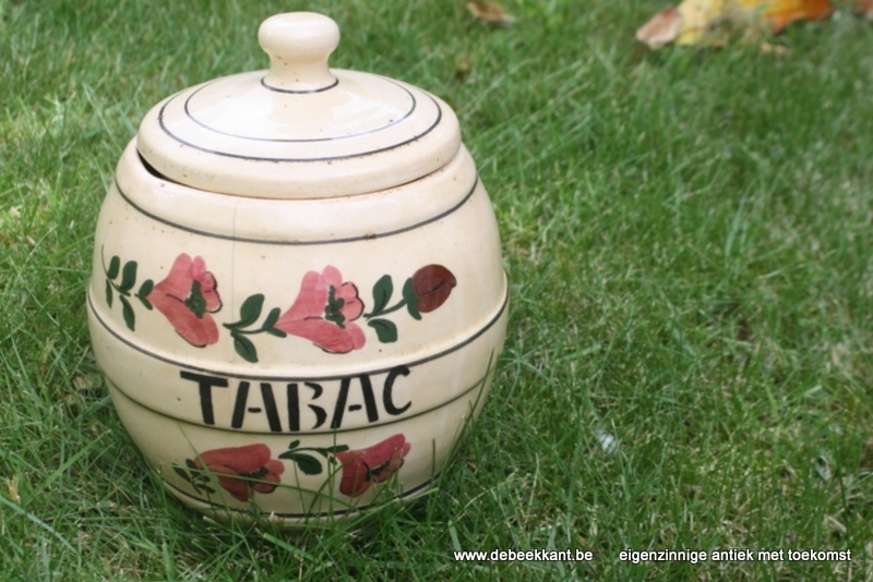Antieke tabakspot aardewerk