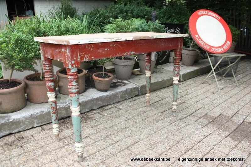Antieke brocante cafétafel tafel industrieel