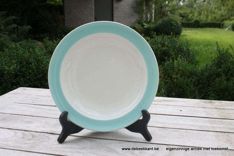 Antiek diep ontbijtbord pastel Ceramique Maastricht