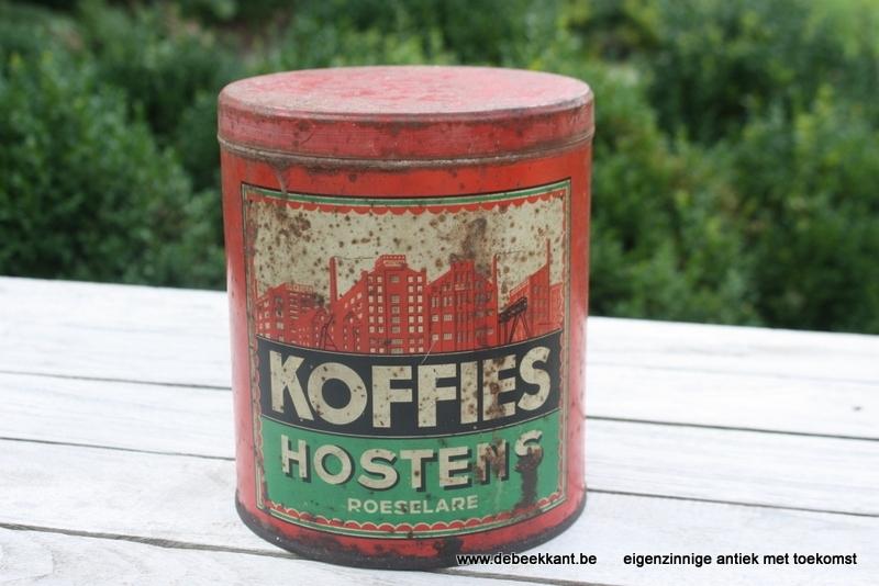 Antiek geleefd blik koffie Hostens