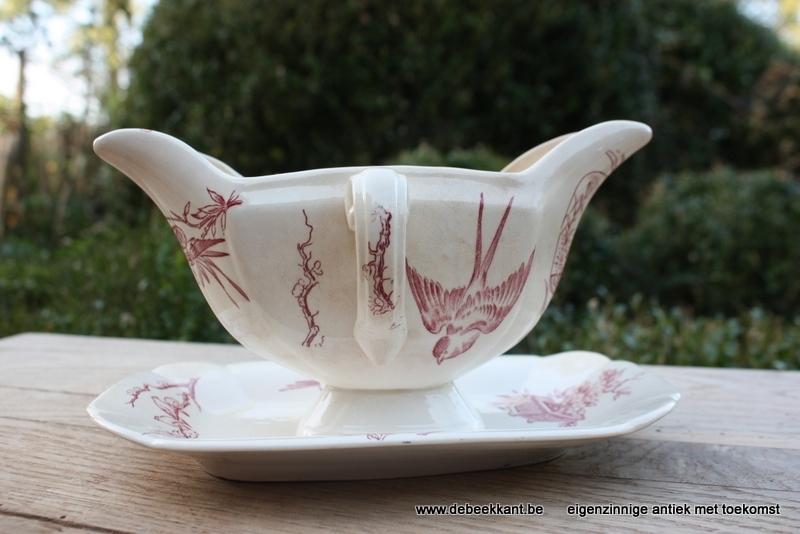 Antieke sauskom wit rood motief