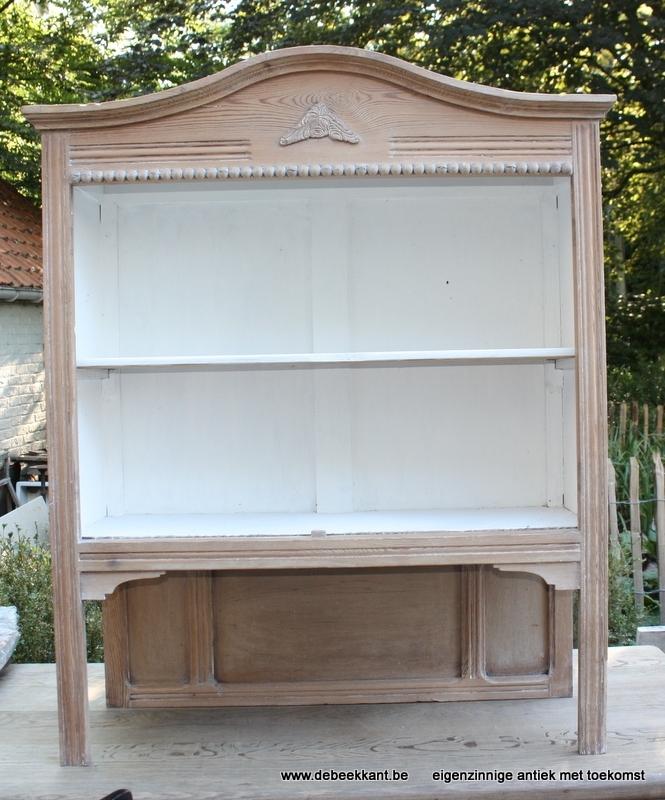 Antiek opzetkastje open kast opgekuist
