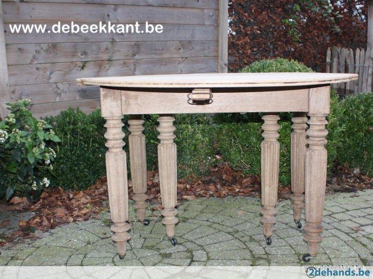 Antieke robuuste stoere eiken tafel sidetable